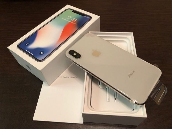 Apple iPhone X 256GB is €480 Euro - Silver, Space Grey Unlocked Smartp